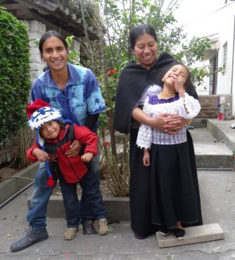 Cute family - Otavalo