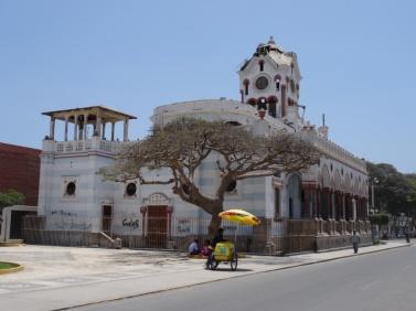 Pisco destroyed church